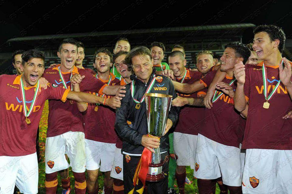 Supercoppa Primavera Inter Roma 1-2 2012 festeggia la Roma palle di cuoio