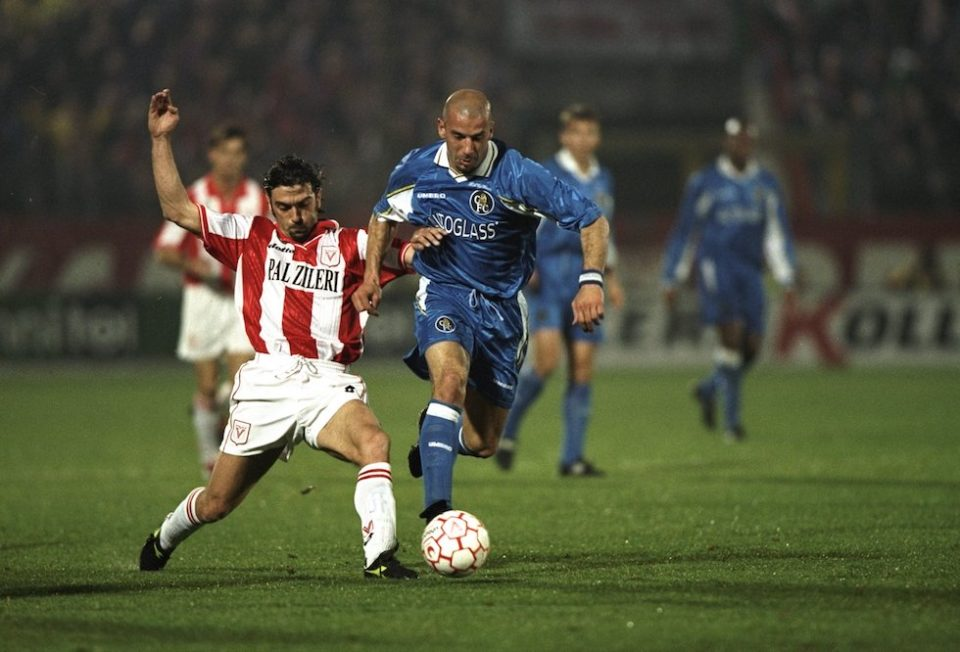 GianLuca Vialli of Chelsea  beats a Vicenza tackle