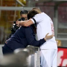 Ante_Rebic_Lecce_abbraccio_raccattapalle